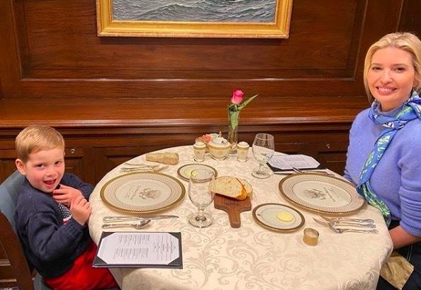 Ivanka Trump 'hẹn hò' trong Nhà Trắng