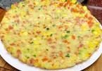Mẹo tráng trứng lạ mắt với cơm và xúc xích