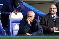"""Mourinho thua trò cũ: """"Người đặc biệt"""" thành chuyên gia thất bại"""