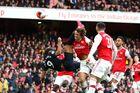 Arsenal 1-1 Everton: Nketiah quân bình tỷ số (H1)