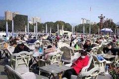 Số ca nhiễm mới giảm, dân Trung Quốc bắt đầu lơ là cảnh giác
