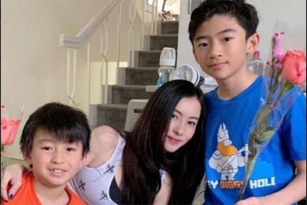 Trương Bá Chi bị nghi nhận 'phí chia tay' sau khi sinh con thứ ba