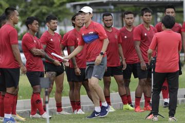 Thầy Hàn chê bai thậm tệ cầu thủ Indonesia