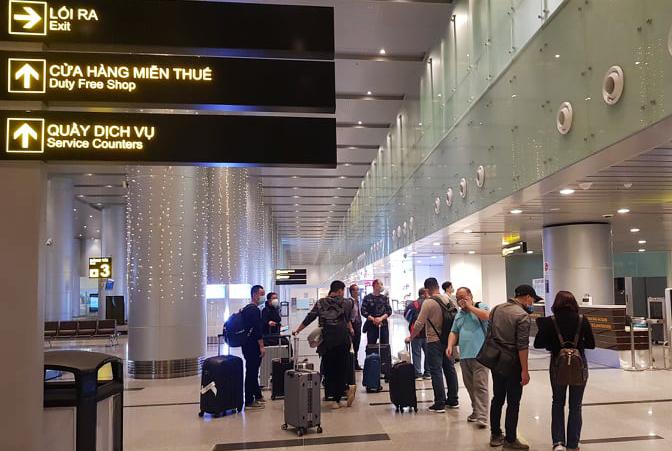 Đà Nẵng cách ly 80 hành khách đến từ Hàn Quốc