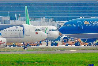 Huỷ hàng loạt chuyến bay do ảnh hưởng bão số 5