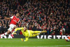 """Aubameyang rực sáng, Arsenal lo mất """"sát thủ"""""""