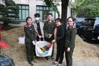 Cục Hậu cần - Bộ Công An 'giải cứu' dưa hấu cho nông dân Trà Vinh