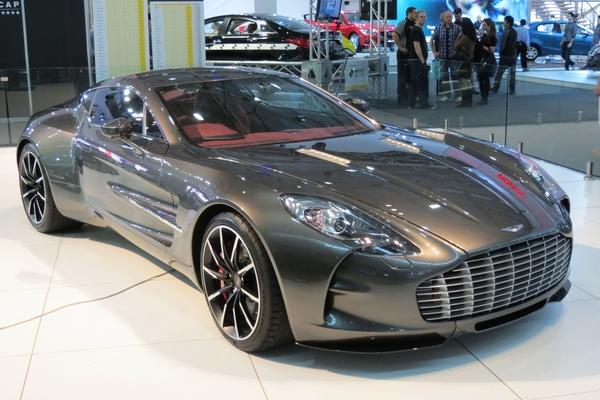 Những ôtô có dung tích lớn nhất thế giới, Bugatti chỉ là hạng thường
