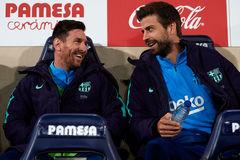 Pique: Barca dẹp đấu đá, tập trung thắng Napoli và Real Madrid