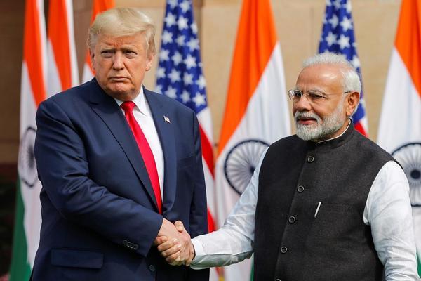 Ông Trump tuyên bố Ấn Độ sẽ mua 3 tỉ USD vũ khí từ Mỹ