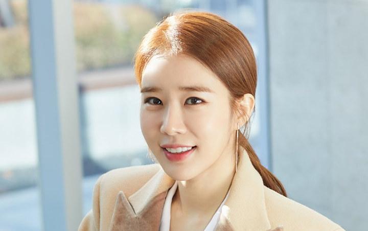 'Hạ cánh nơi anh' giúp Kim Jung Hyun vượt qua 17 tháng khủng hoảng