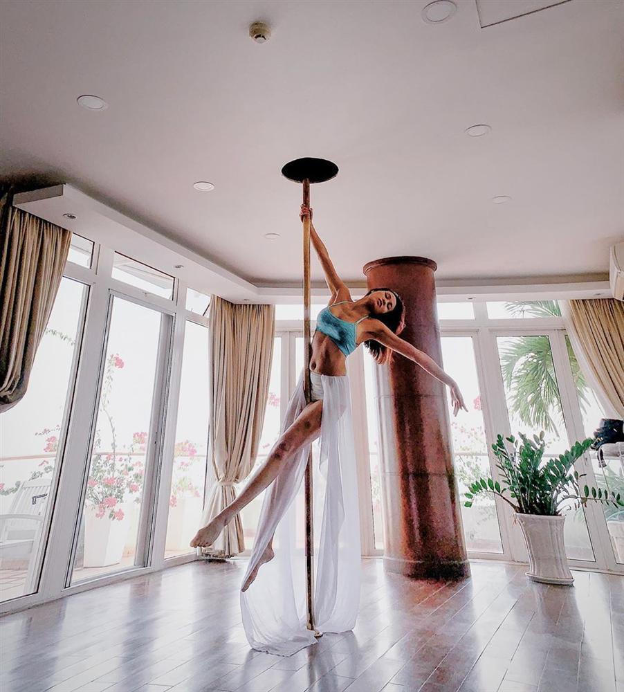 Ngọc Trinh bầm tím đầy thương tích vì tập luyện sexy dance