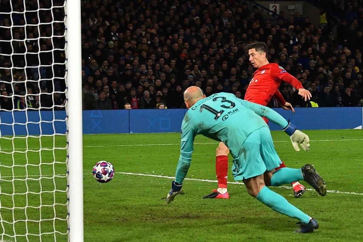 Chelsea thua thảm, mất mặt vì Lampard