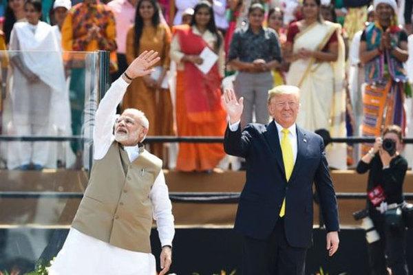 Ông Trump được gì trong chuyến công du Ấn Độ?