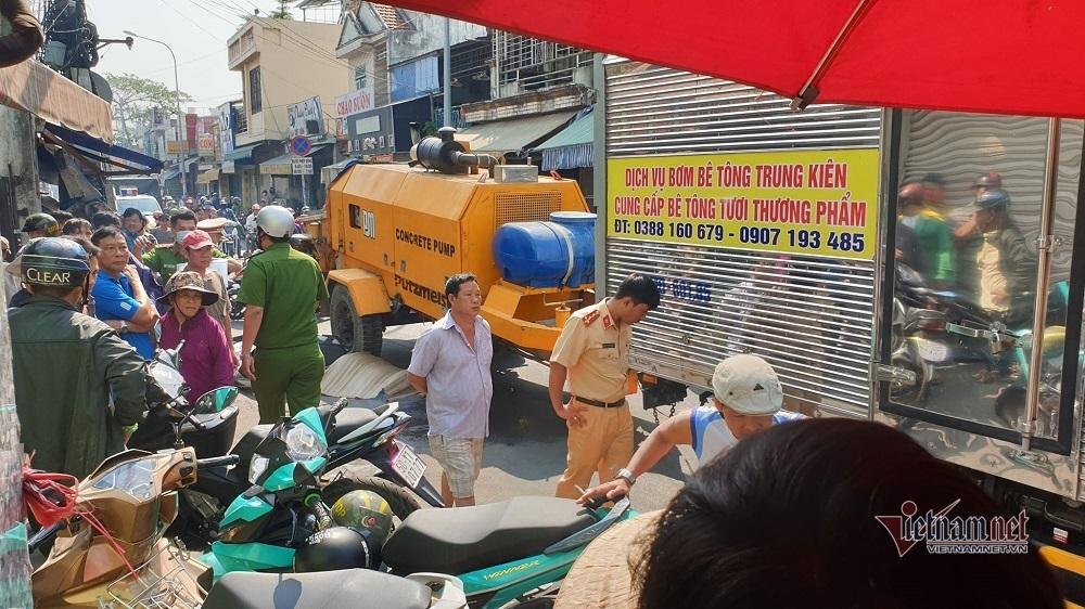 Nữ sinh lớp 8 chạy xe máy bị xe tải cán chết thảm ở Sài Gòn