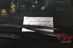 """""""Triệu like"""" cho người đàn ông viết giấy nhận mình làm vỡ đèn ô tô"""