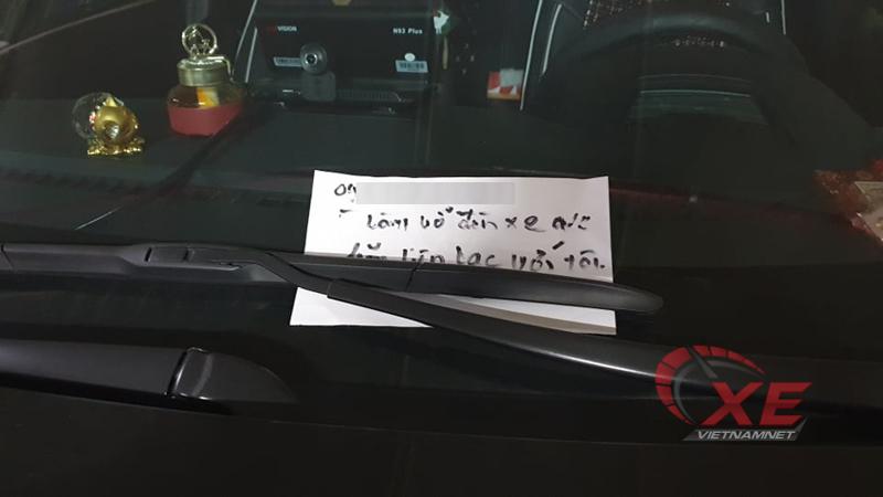 Mazda6,toyota hilux,va chạm xe,lùi xe vỡ đèn,bắt đền vì va chạm,đền bù xe,hành động văn hóa,văn hóa giao thông