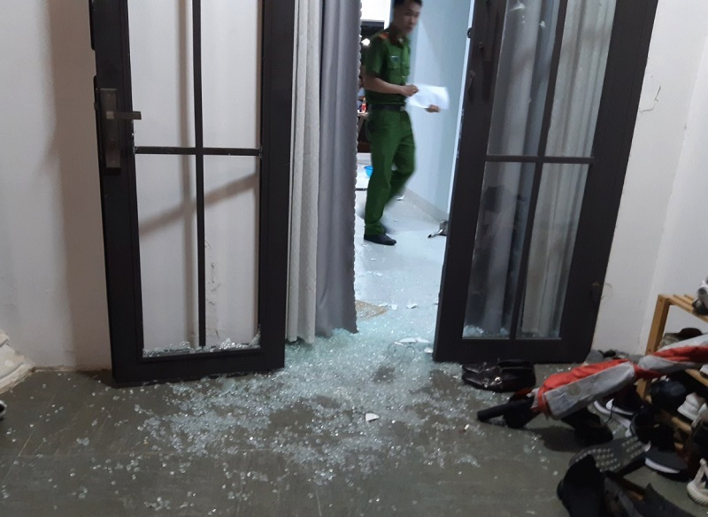 Nhóm thanh niên mang hung khí xông vào biệt thự ở Đà Nẵng đập phá