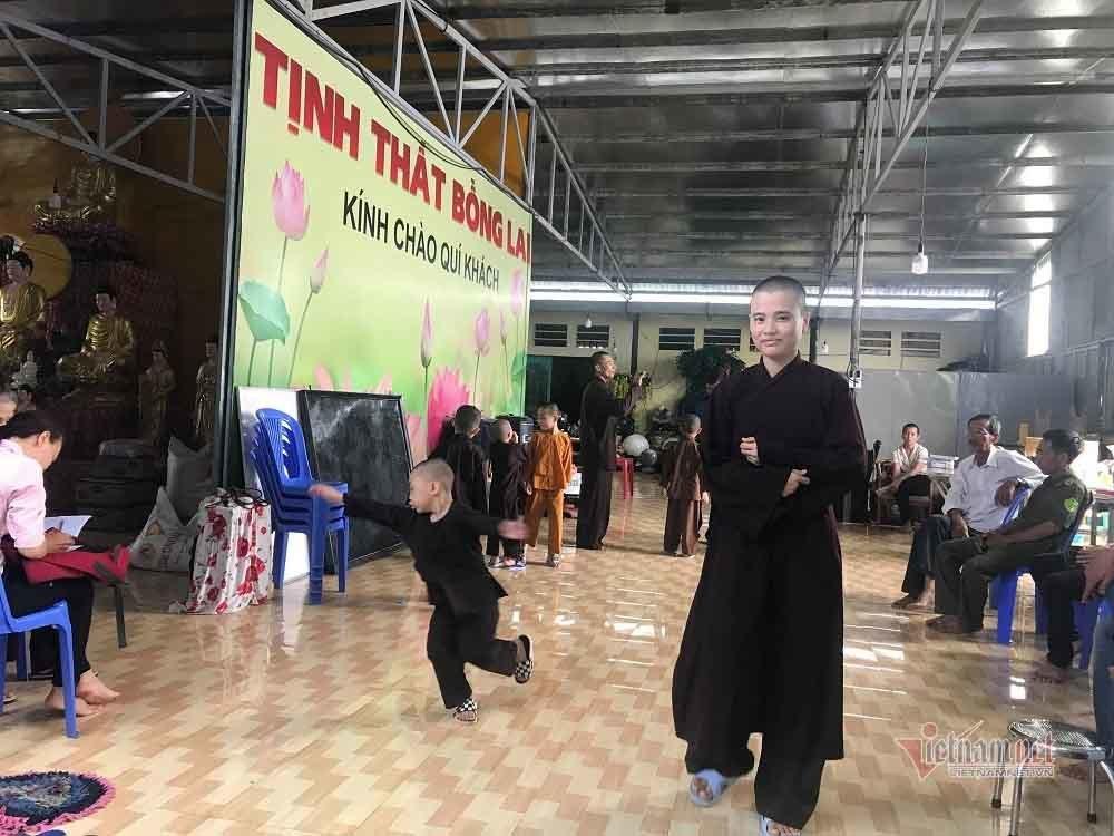 Hé lộ sự thật tịnh thất Bồng Lai, nơi ở 5 chú tiểu thi Thách thức danh hài