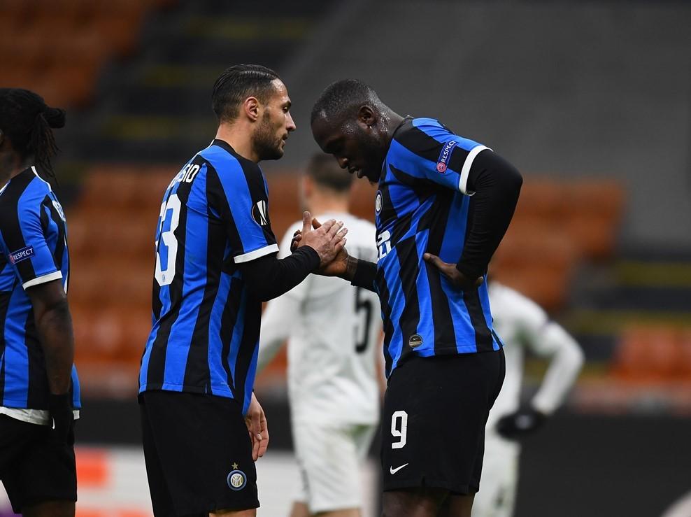 Lukaku 'nổ súng', Inter Milan tiếp tục bay cao
