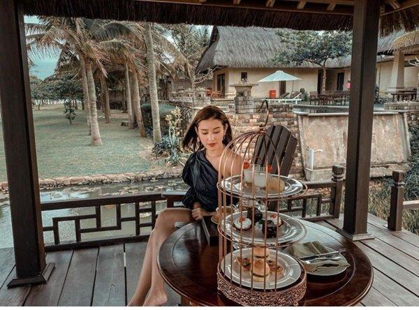 Chồng Thanh Thảo sinh nhật ở bar với dàn khách mời toàn sao hải ngoại