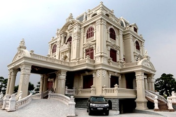 Lâu đài của đại gia Việt: Dát vàng 24k, xây cả nhà hát tráng lệ bên trong