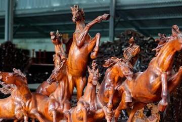 Chiêm ngưỡng tác phẩm nghệ thuật 7 tỷ đồng từ khúc gỗ bỏ đi