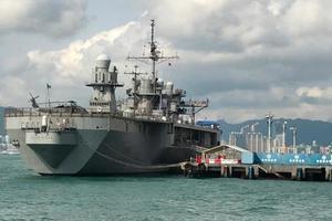 Tàu chiến Mỹ nhận lệnh tự cách ly trên biển vì Covid-19