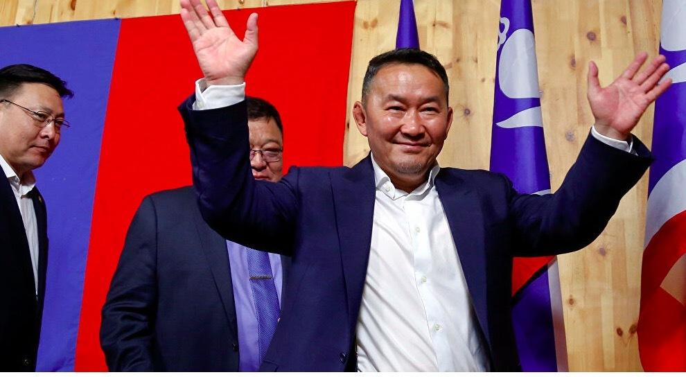 Tổng thống Mông Cổ bị cách ly nửa tháng sau khi thăm TQ