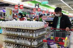 Nước rửa tay khô giảm giá mạnh, hàng về tràn khắp siêu thị