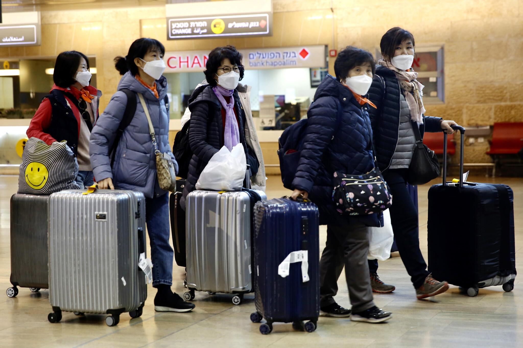 Lý do khách từ Hàn Quốc về sân bay Nội Bài phải chờ đợi lâu