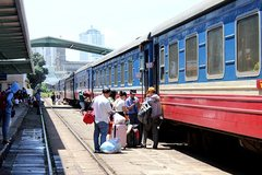 Unreasonable policy keeps private investors away from railway projects