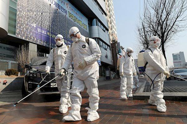 Cả ngàn tín đồ có triệu chứng Covid-19, Hàn Quốc truy tìm 3.000 thành viên Tân Thiên Địa