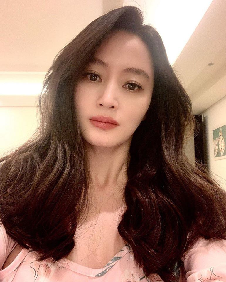 Wendy (Red Velvet) về nhà sau 63 ngày chữa trị tại bệnh viện