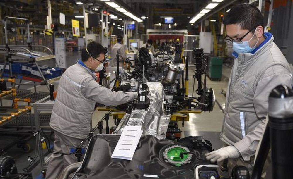 Doanh số ô tô toàn cầu dự đoán giảm 2,5% do Covid-19