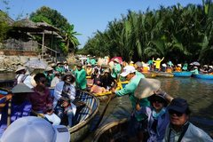 Vietnam to suspend visa-waiver for South Koreans over coronavirus scare