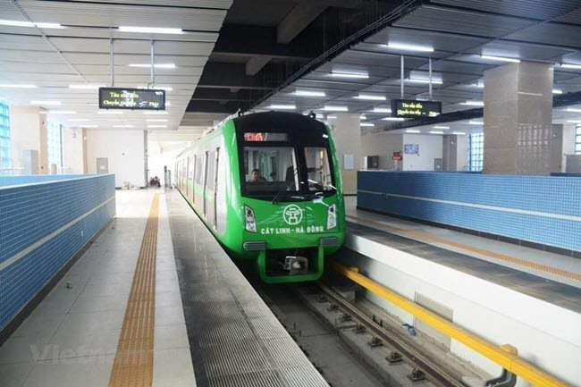 Chinese director of Hanoi metro project put in quarantine after arrival