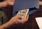 'Sinh tử' tập 75, Chủ tịch Nghĩa lúng túng với phong bì đô la gửi tận nhà