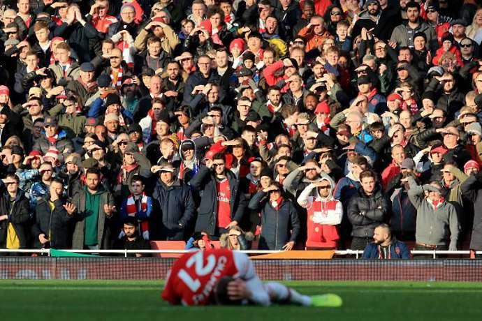 Arsenal phải đền tiền vì bị đá khỏi Europa League