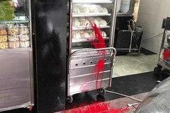 Phở Hòa Pasteur ở Sài Gòn bị tạt sơn, truy tố nhóm giang hồ