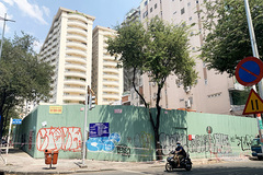 """Bắt đầu tháo dỡ chung cư """"chờ sập"""" ở trung tâm TP.HCM"""
