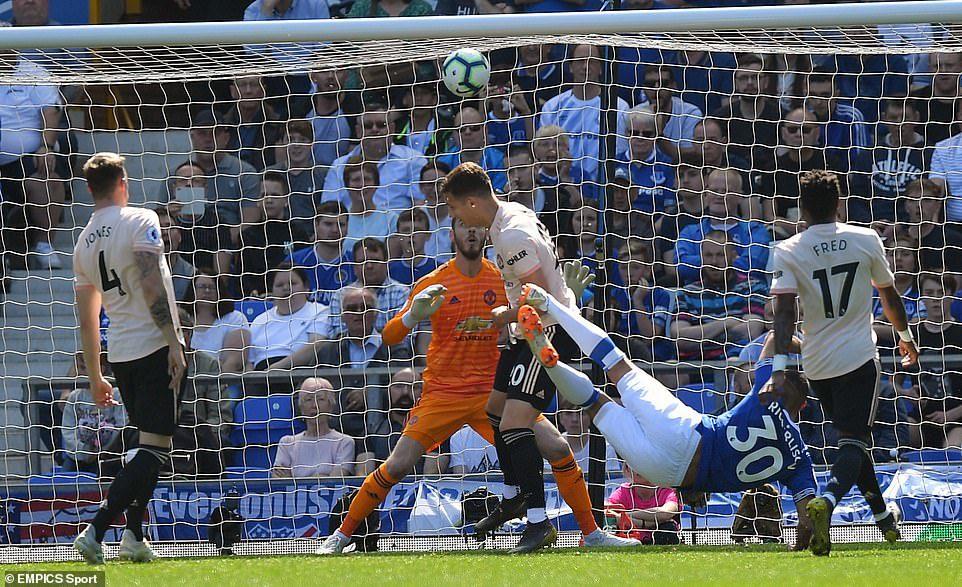 MU dự thua Everton, Koulibaly được báo giá 100 triệu euro
