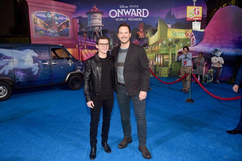 Tom Holland và Chris Pratt đùa giỡn không ngừng trong phòng lồng tiếng