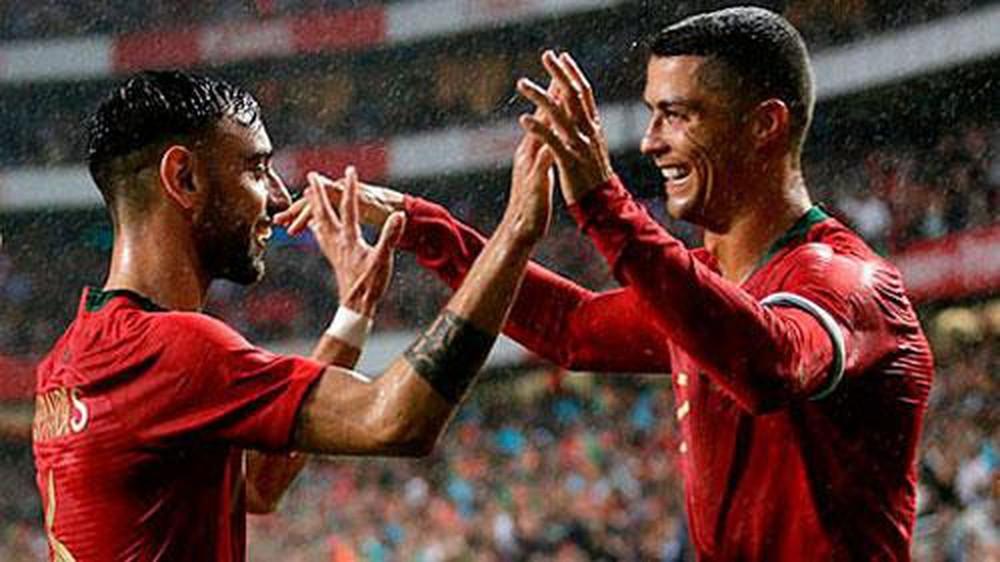 Bruno Fernandes: Đồng đội choáng, thầy ngạc nhiên 'phiên bản' Ronaldo