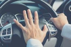 Người lái xe sang thường ích kỷ và khinh người
