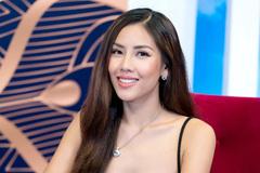 Hoa hậu biển Nguyễn Loan khóc nức nở sau khi mắng em trai gay gắt
