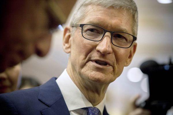 Chỉ với 7 từ, CEO Apple đã mô tả được cuộc chiến với Facebook