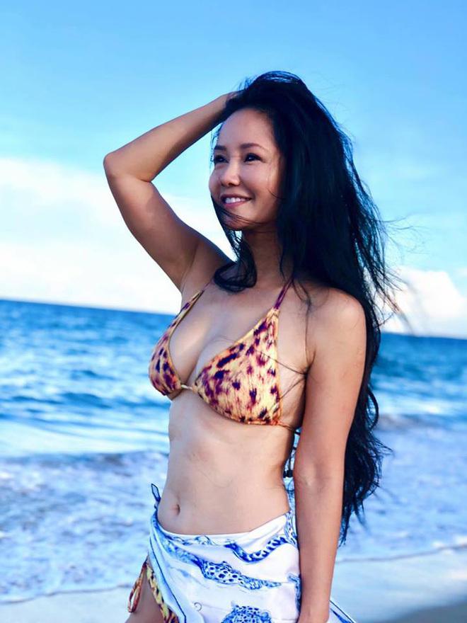 Hồng Nhung vẫn nóng bỏng 'giật mình' ở tuổi 50