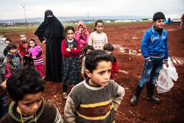 Hình ảnh ám ảnh ở nơi kẹt giữa 'bão lửa' Thổ Nhĩ Kỳ và Syria