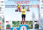 Vietnamese cyclist Quynh wins stage 3, tops ranking at int'l tour
